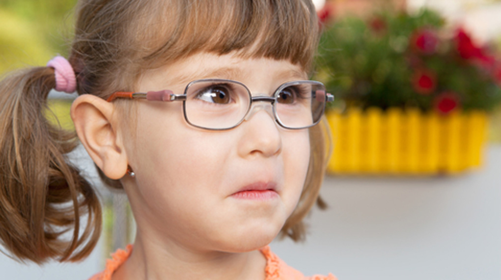 6 Scary Signs To Look Out For In a Babysitter